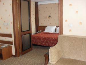 Dilaver Hotel 8